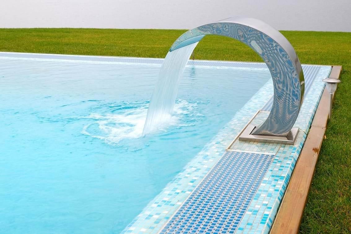 Фото бассейна открытого типа
