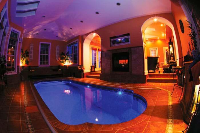 Нестандартный бассейн симметрической формы