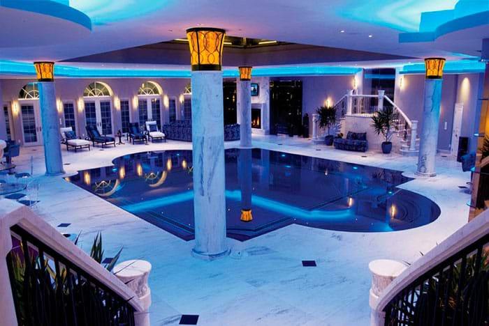 греческий или римский плавательный бассейн